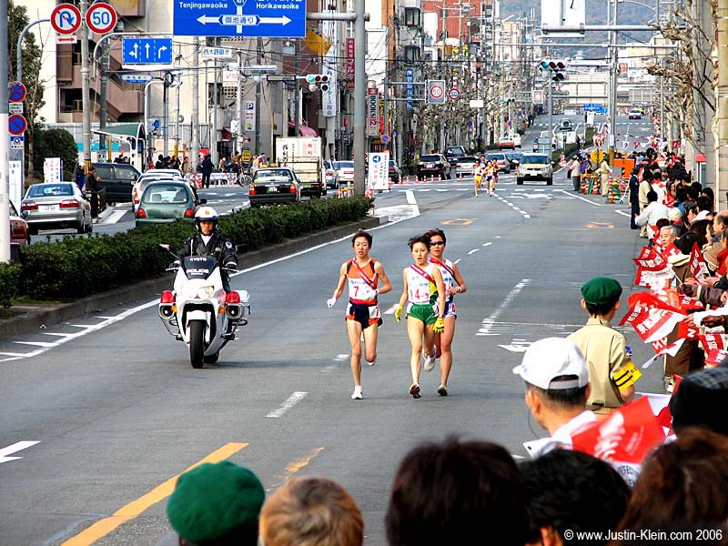 During one of my picture-taking days I randomly stumbled on this marathon running South through Kyoto.