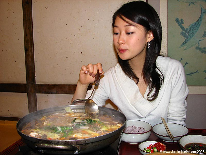 Kimuchi Nabe. ::mouth waters::