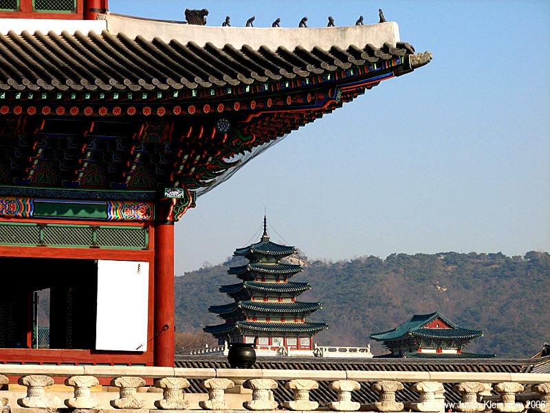 A pagoda in the back corner of Gyeongbukgung.  This palace was seriously enormous – I almost missed the pagoda entirely.