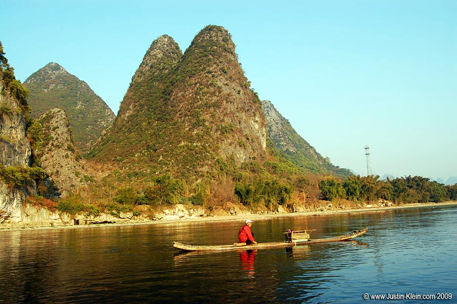 The sun is back out over the Li River.
