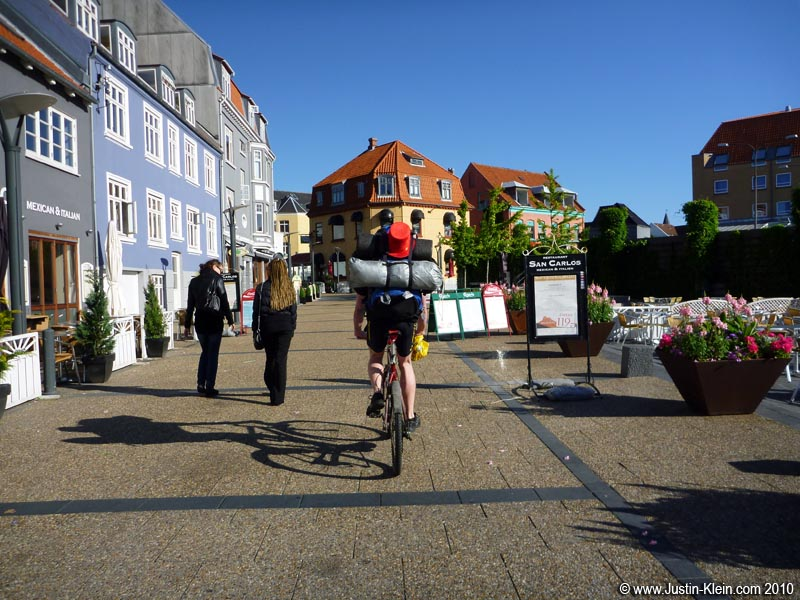 A pleasant walking promenade in a typical Scandinavian town.