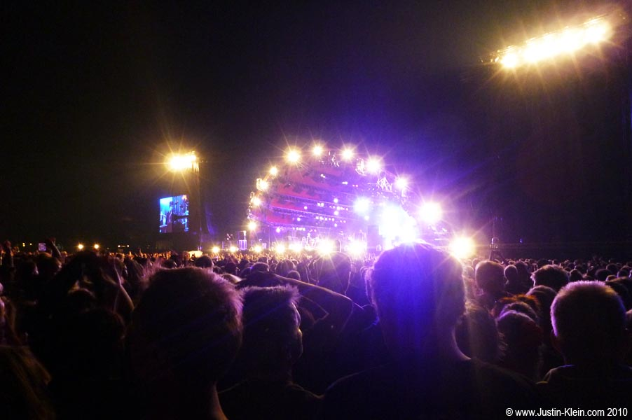 At one of Roskilde&#8217;s <i><u>six</u></i> main stages &#8211; along with 75,000 other people.  When Peder told me Roskilde would be one of the craziest festivals of my life&#8230;he wasn&#8217;t kidding.