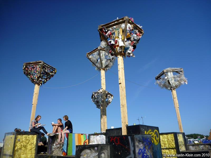 Like The Playa, Roskilde is full of odd homemade sculptures, often promoting green living and environmental friendliness.