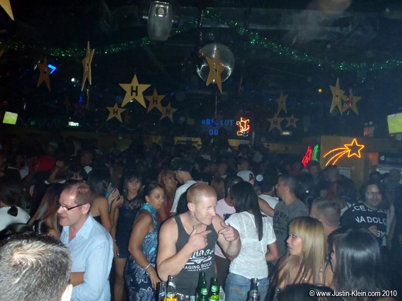 …before ultimately ending up at Hollywood, an always-packed, no-cover after hours venue.  We'd remain here till morning.