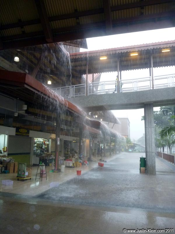 &#8230;And as I learned the hard way, a Singaporen a drizzle is rarely <i>just</i> a drizzle.