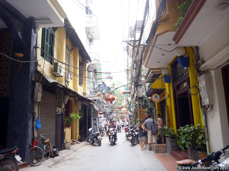 My street: guesthouses and hostels and restaurants galore.