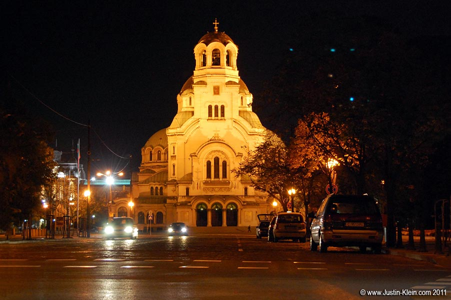 Alexander Nevsky Cathedral at night.
