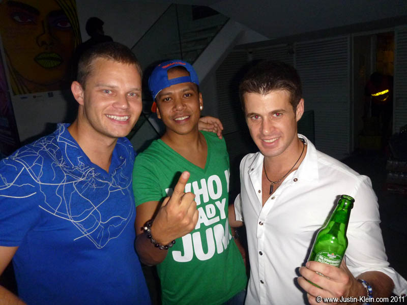 "Meeting Dutch superstar ""DJ Chuckie"" after a concert at Bed SupperClub with Jostein."