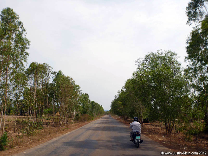 Another long road to Kompong Phluk.