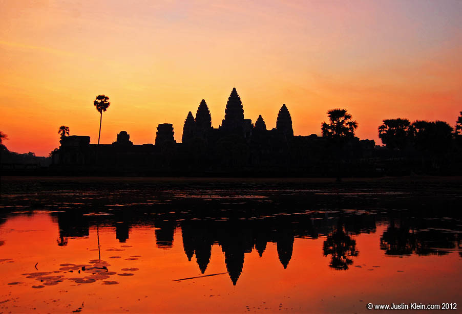The money shot.  Taken during my <i>second</i> attempt at an Angkor Wat sunrise (a few days later).