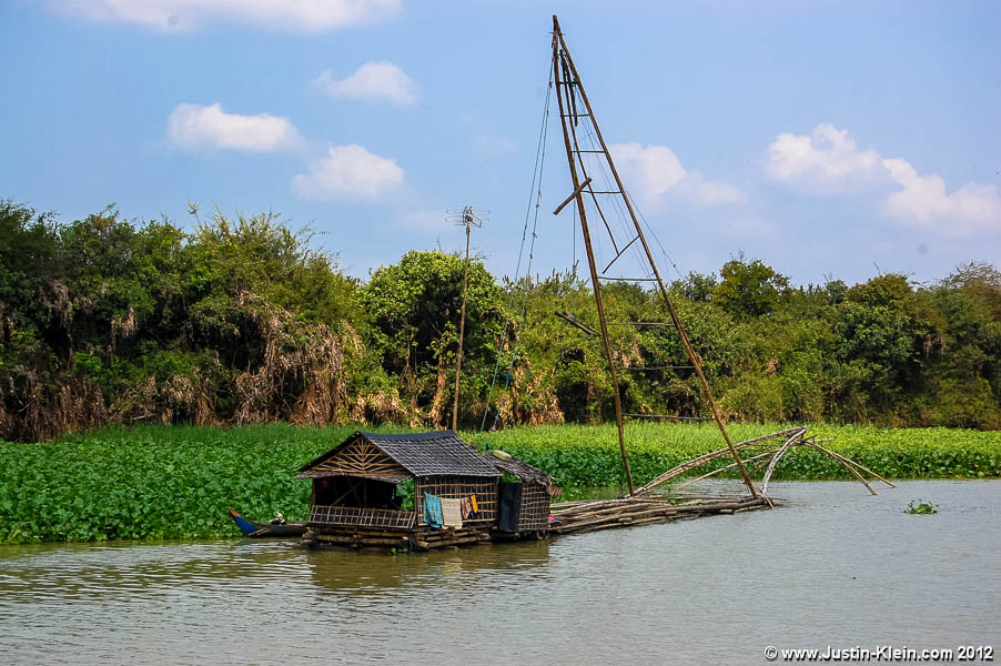 An old bamboo fishing rig along the ride from Siem Reap to Battambang.