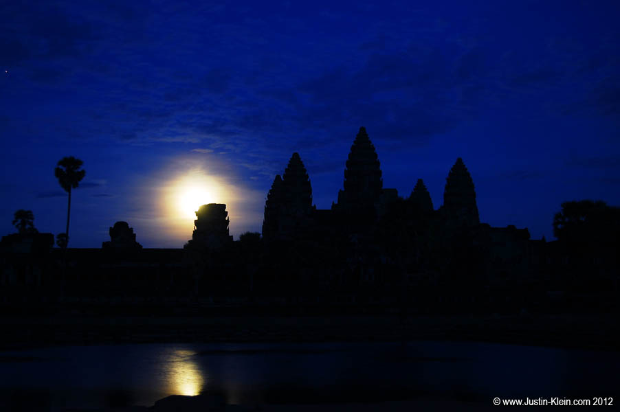 Most people go to Angkor Wat to see the sunrise.  I went to see the moonrise.